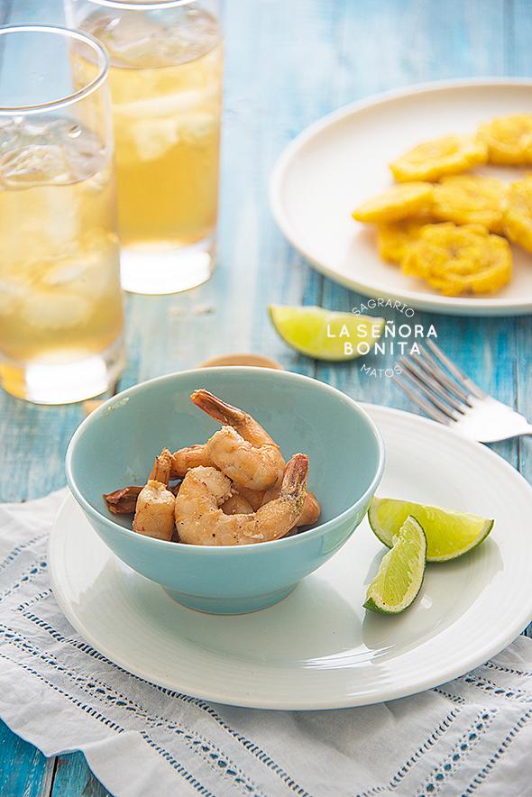 Deliciosa receta de camarones con marinado de ajo, jalapeño y vino blanco