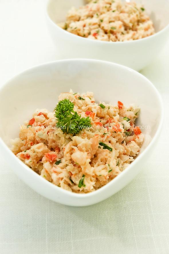 Crema de camarones y hierbas en bol