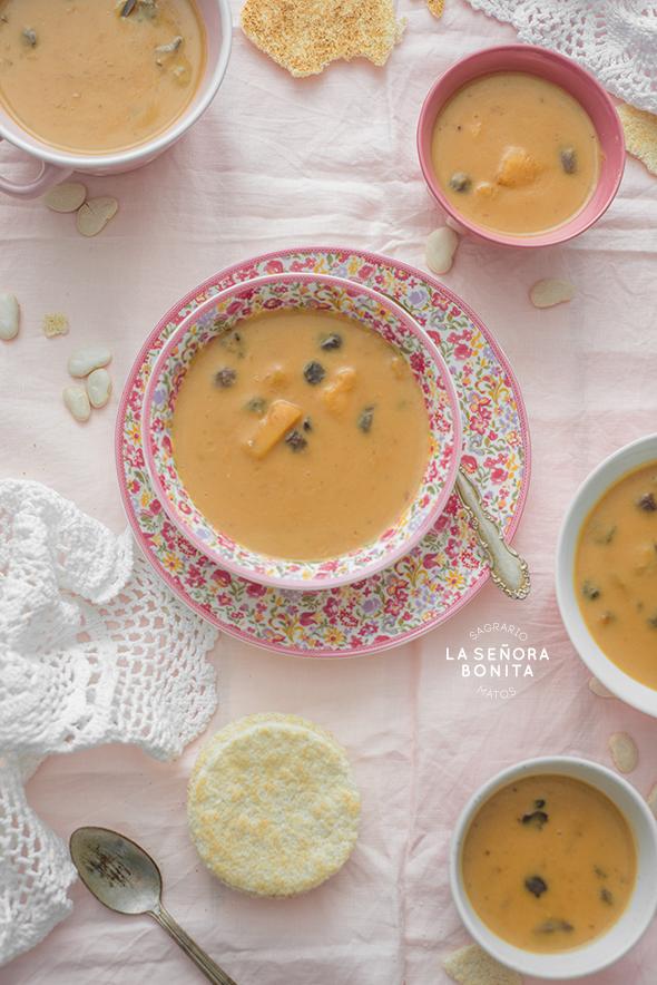 Deliciosa Receta de Habas con Dulce. Dale un giro al tradicional platillo de la Cuaresma Dominicana sustituyendo las habichuelas por habas para un postre más cremoso y con sabor a natilla ¡te va a encantar!